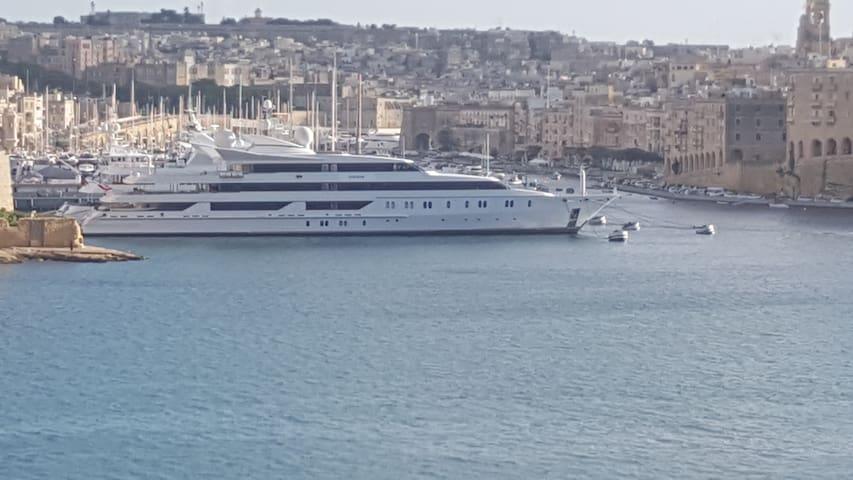 3 City Vittoriosa Harbor , Valletta   13/12/2018