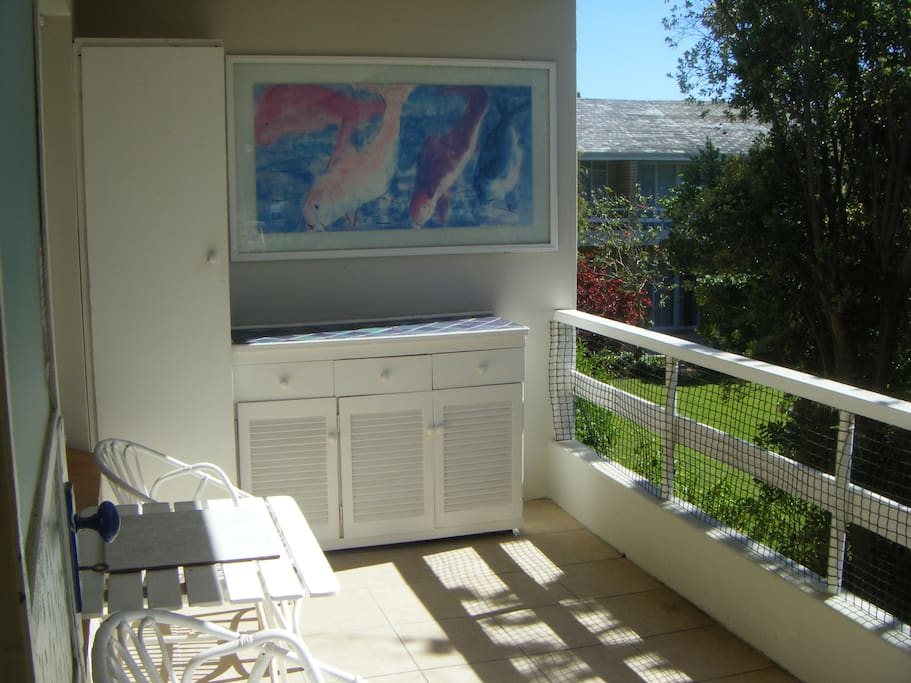 The balcony offers braai/barbeque facilities