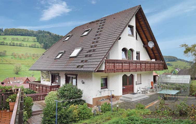 Holiday apartment with 2 bedrooms on 80m² in Welschensteinach