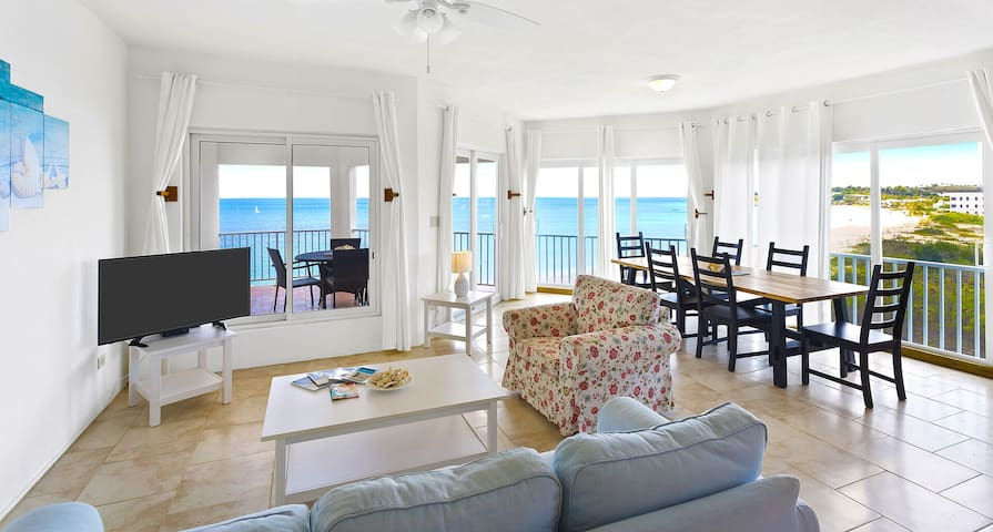 Turtles Nest Beach Resort  - Beachfront 2 bedroom condo