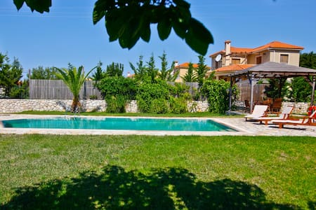 Villa Alessa, Sarlata, Kefalonia, Greece - Svoronata - Villa
