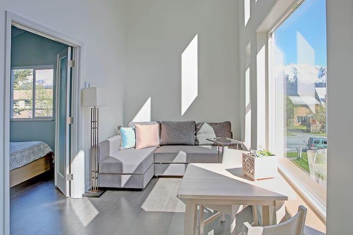 The Vue  Suite- Upstairs 2 bedroom, 1 bathroom