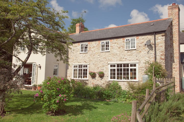 Cosy single room at Blackwater Cottage