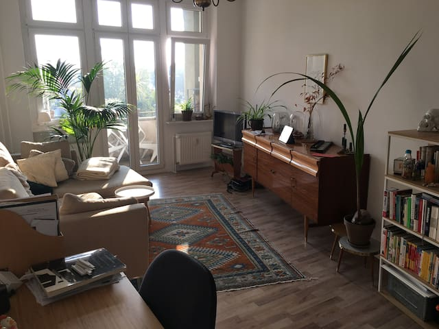 Nice and cozy 2 room apartment in Neukölln