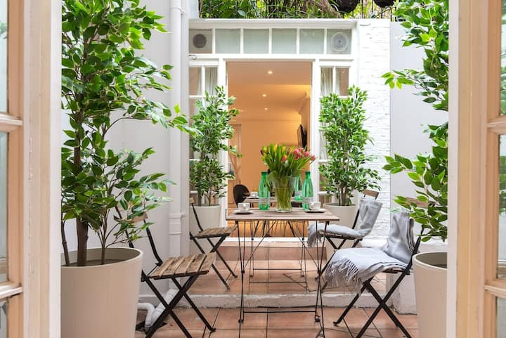 Stunning Sloane Sq. Apartment with Outdoor Patio