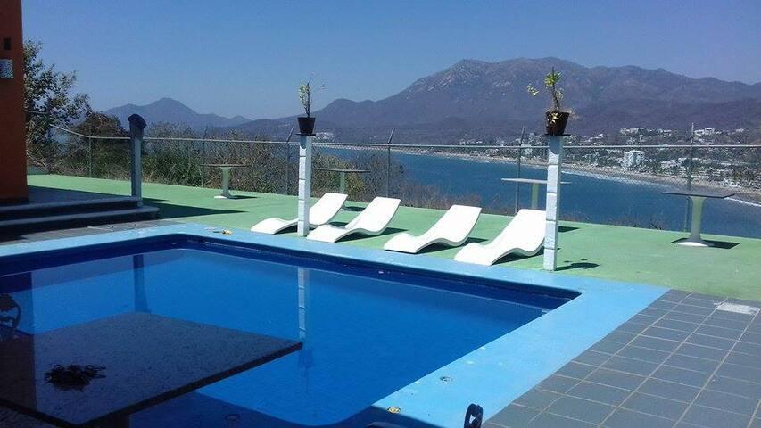 Casa con excelente vista a la bahia con alberca - Manzanillo - Wikt i opierunek