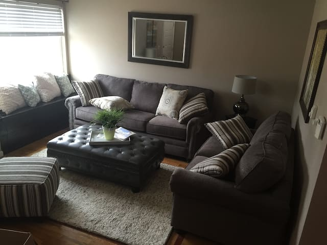 Great private room with bathroom! - Colorado Springs - House