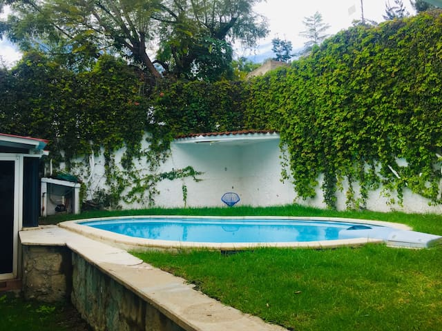 Casa con alberca en San Felipe del Agua Oaxaca