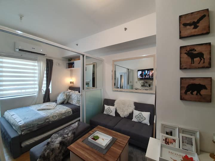 All-New Immaculate & Fully Furnished 1 BR Suite.