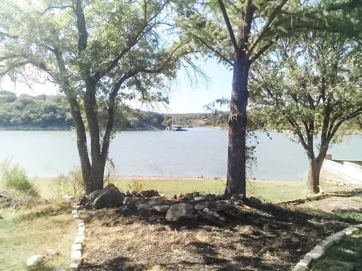 Rooster Lakefront cottage with GORGEOUS views!
