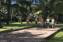 Challenge your group in petanque