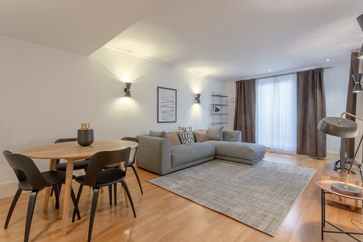 Excellent base in Chelsea with pool & gardens