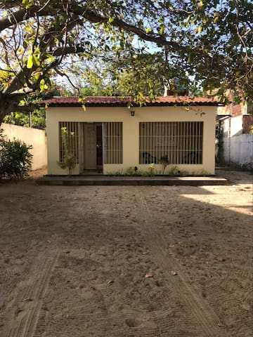Casa ampla em Maria Farinha
