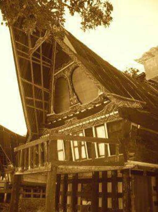 The tradisional wooden batak house