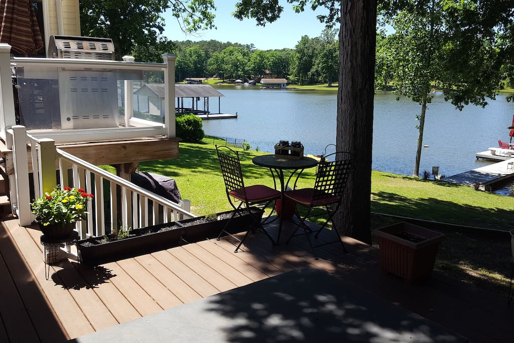 Gorgeous views and short walk to the water and dock