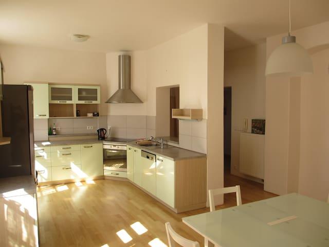Samostatný moderní byt 100m2 v centru města - Vysoké Mýto - Townhouse