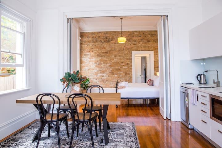 Designer Apartment w/ Classic Heritage Details