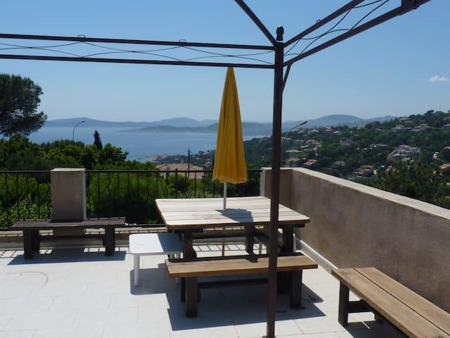 Appartement vue mer sur le golfe de Saint-Tropez. - Roquebrune-sur-Argens - Apartemen