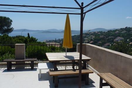 Appartement vue mer sur le golfe de Saint-Tropez. - Roquebrune-sur-Argens - Huoneisto