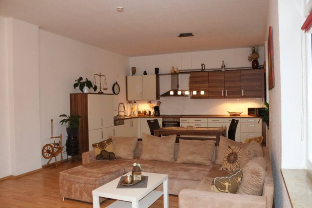 Wohnzimmer und Küche I.OG