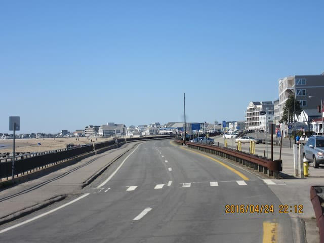 Rt 1A along beach