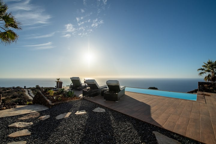 Villa Pura Vida - Luxusvilla mit Infinitypool
