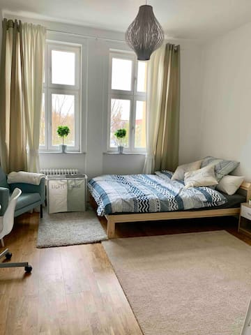 Cozy & Big Room in Friedrichshain Best of Berlin