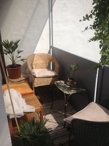 Old town, cosy room in shared flat, next to castle - Nürnberg - Appartement