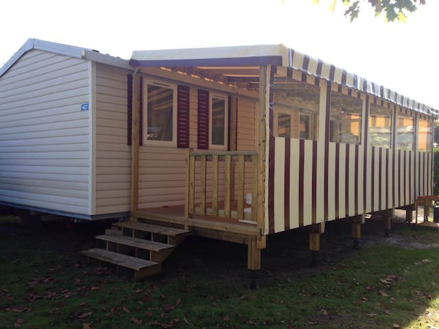 Mobil-Home 6/8 personnes camping 4* avec piscine