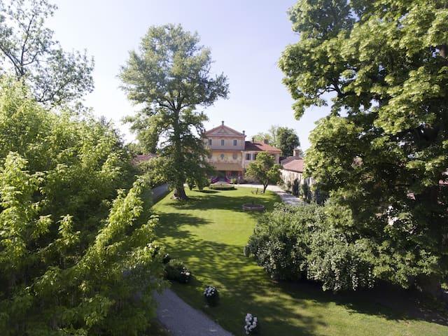 Dimora storica immersa in un parco secolare