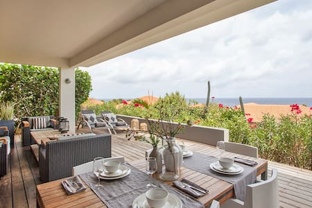 Luxurious apartment with sea view at Boca Gentil