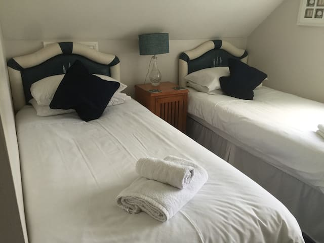 Bramble lodge - Verwood - Huis