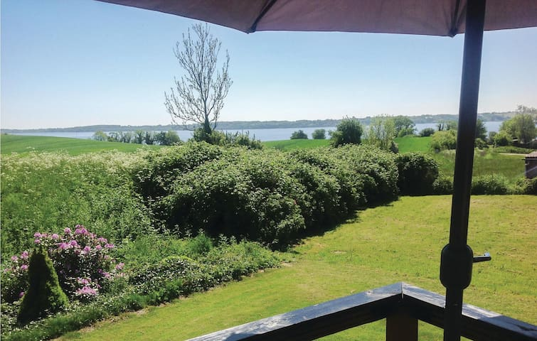 Holiday cottage with 2 bedrooms on 64m² in Aabenraa