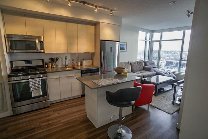 Brand New Apartment - Great Location, Great View! - Calgary - Apartemen