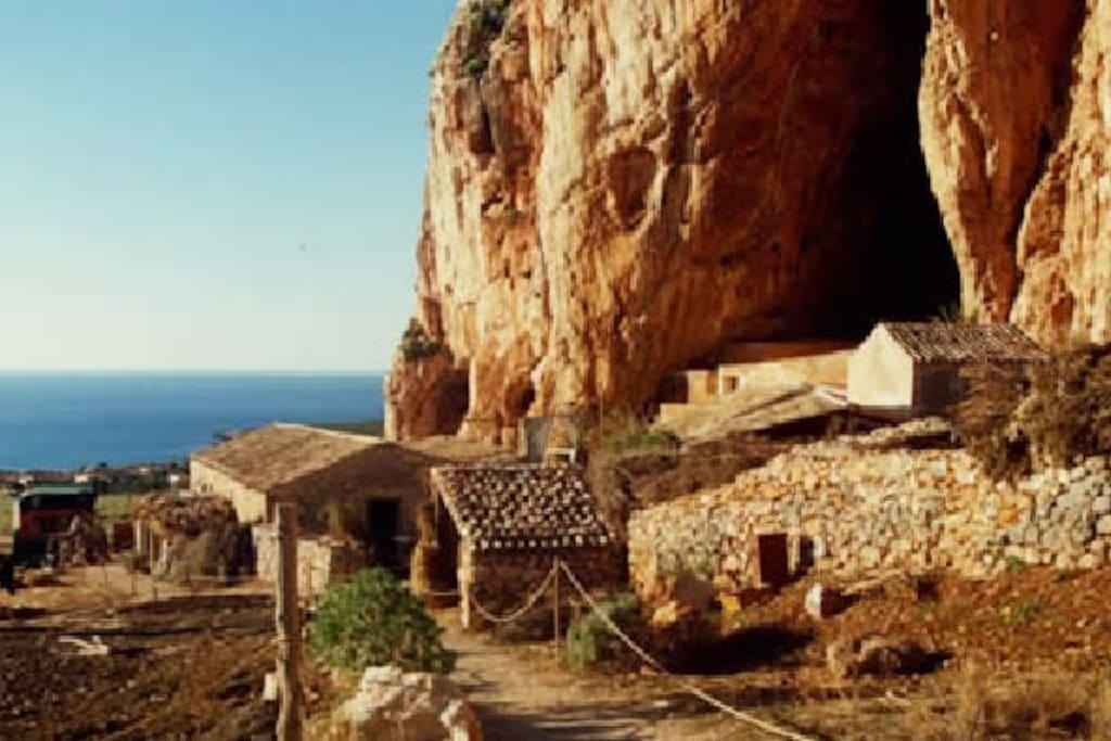 Grotta Mangiapane - Dintorni