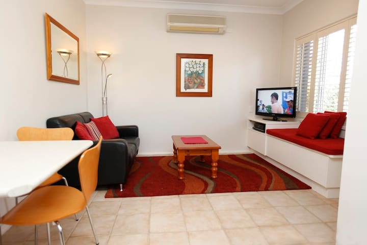 2 Bedroom Apartment in a garden setting