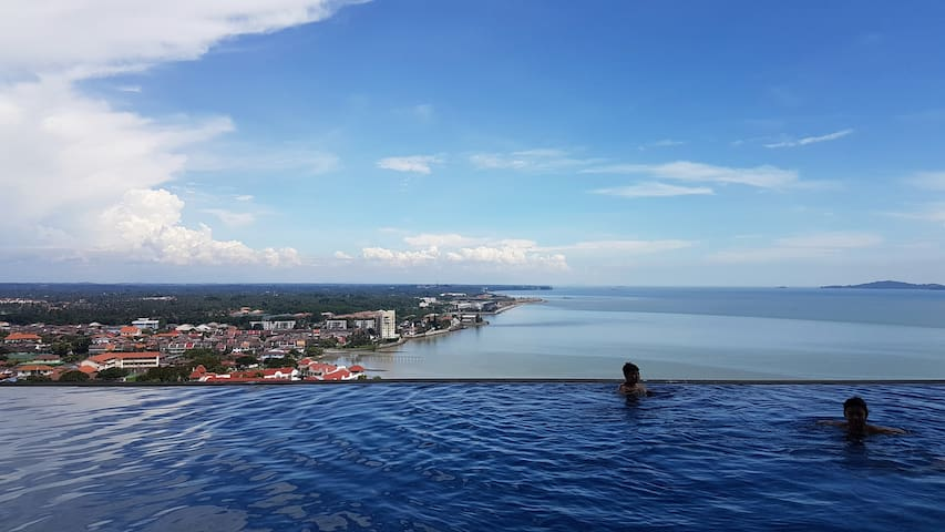 Luxury Condo B27+Infinity pool Sea View 无边泳池面向海景