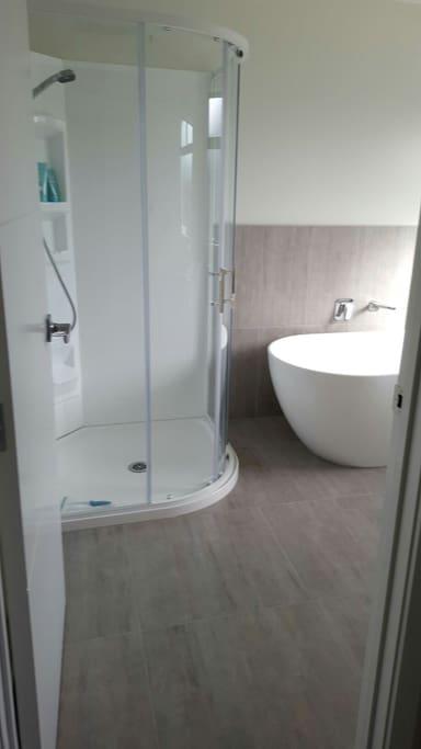 Guest bathroom - exclusive use