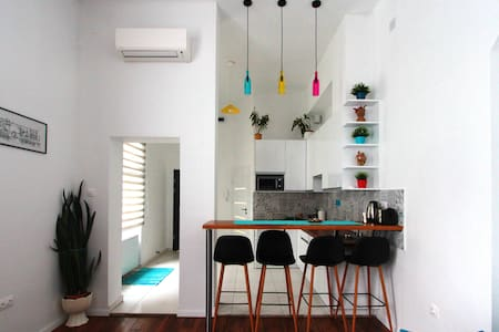 Stylish apartment in Budapest downtown with A/C