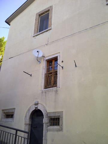 Deliziosa casa indipendente - Montenero Val Cocchiara - Apartamento