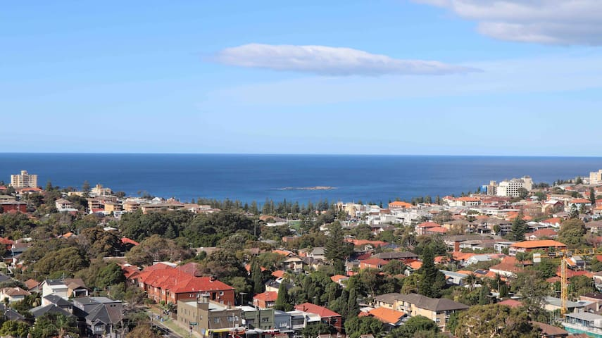 Wake up to a mesmerizing View over Coogee Beach