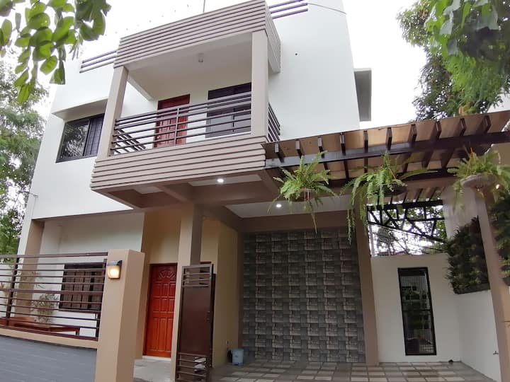 AF House (1 year lease contract)