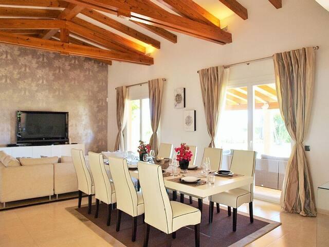 superbe villa tout equipée - Lacaune