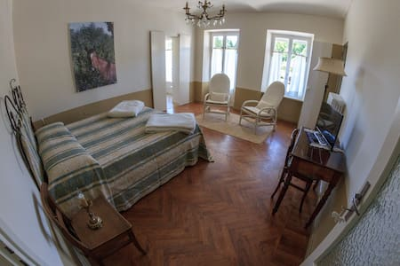 B&B Lo Scudiero - Camera Zara - Passerano Marmorito - Bed & Breakfast