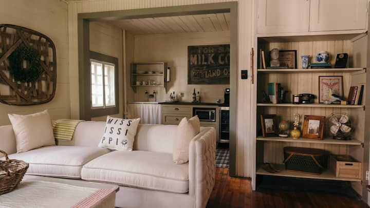 The Carriage House - Clean, Safe & Cozy