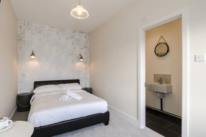 Classic double room at The William IV guest house. Breakfast included.