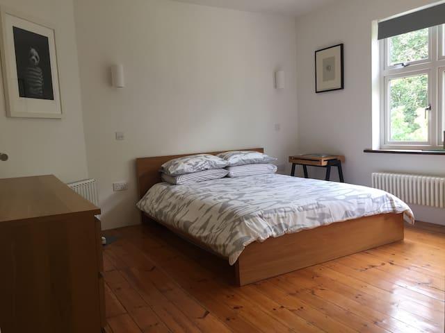 Luxurious double room & gorgeous en-suite.Highgate