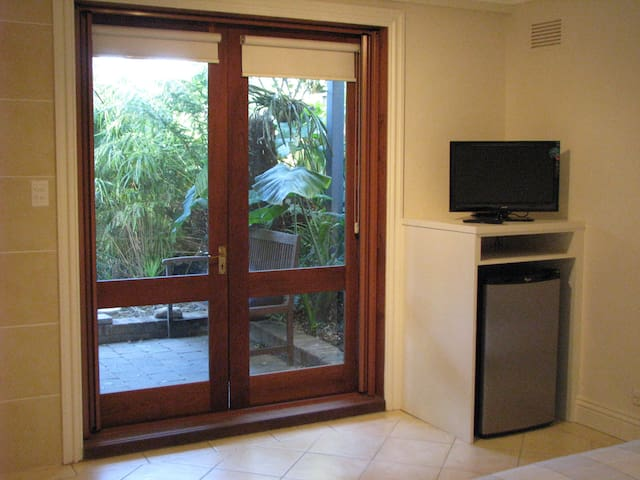 Self contained studio close to Sydney harbour - Balmain - บ้าน