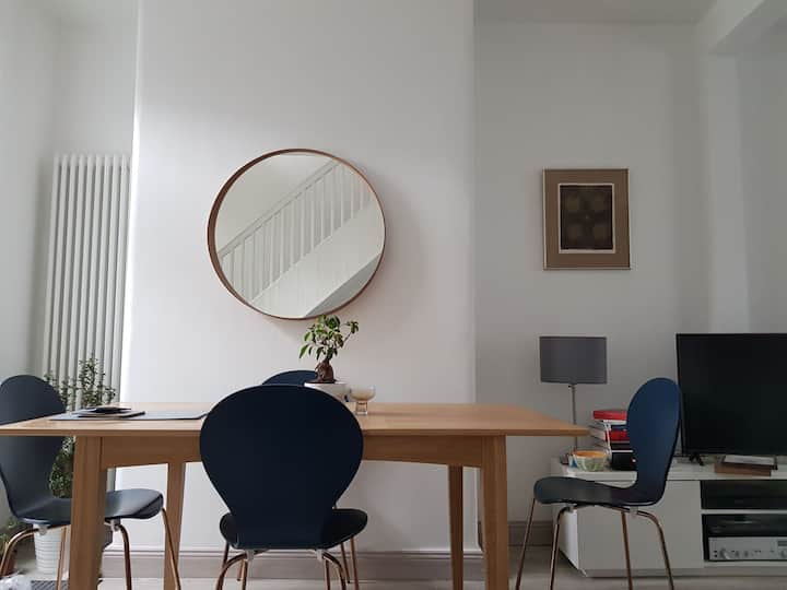 Bright & Spacious x2 bedroom house - Stoneybatter