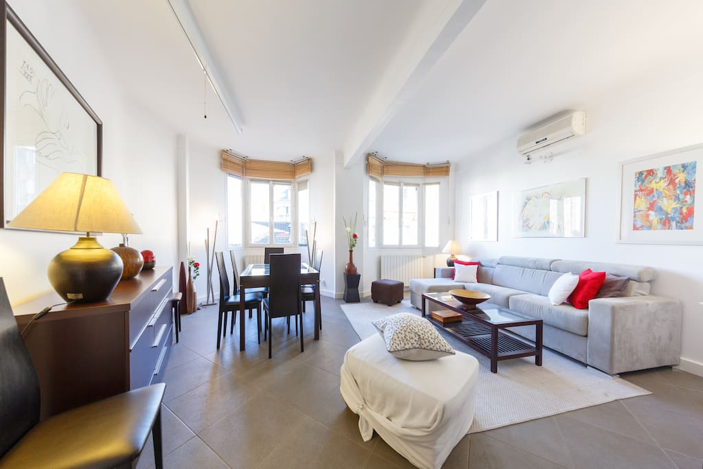 Apt paris 86 m2 2 chambres 6 pers appartements louer for Chambre 6 personnes paris